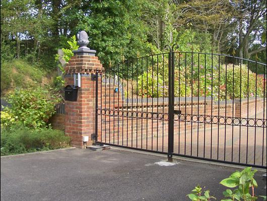 Iron gates railings automatic